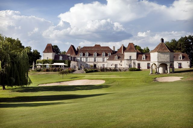 Chateau des vigiers golf and country club cover picture