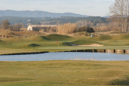 Emporda golf resort cover picture