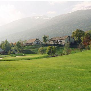 Maison blanche golf club cover picture