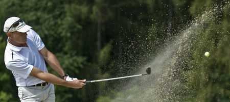 Profile cover of golfer named Pierre De becker