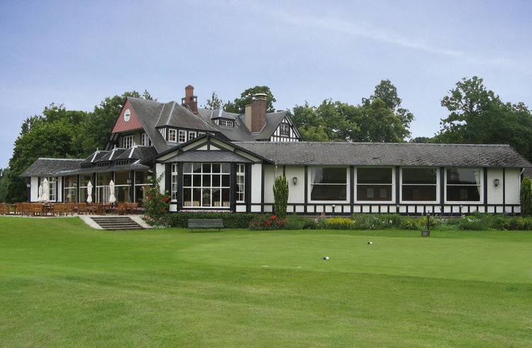 Chantilly golf club cover picture