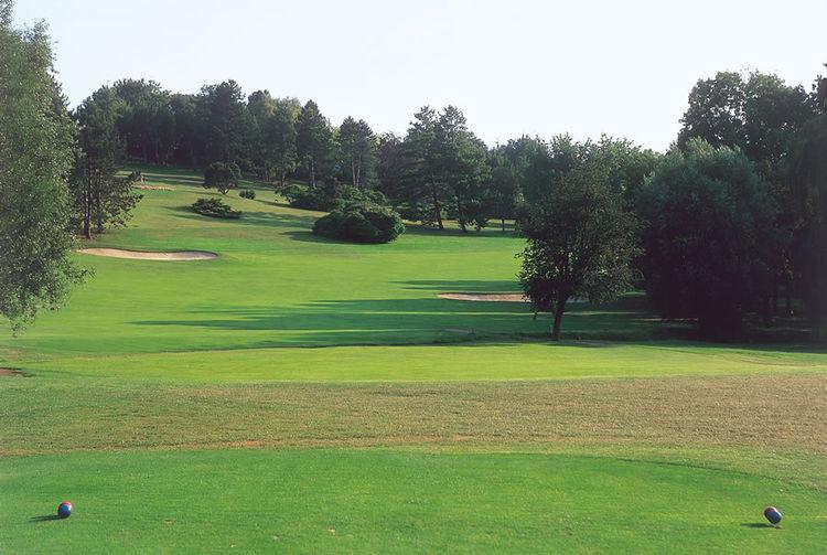 Saint nom la breteche golf club cover picture