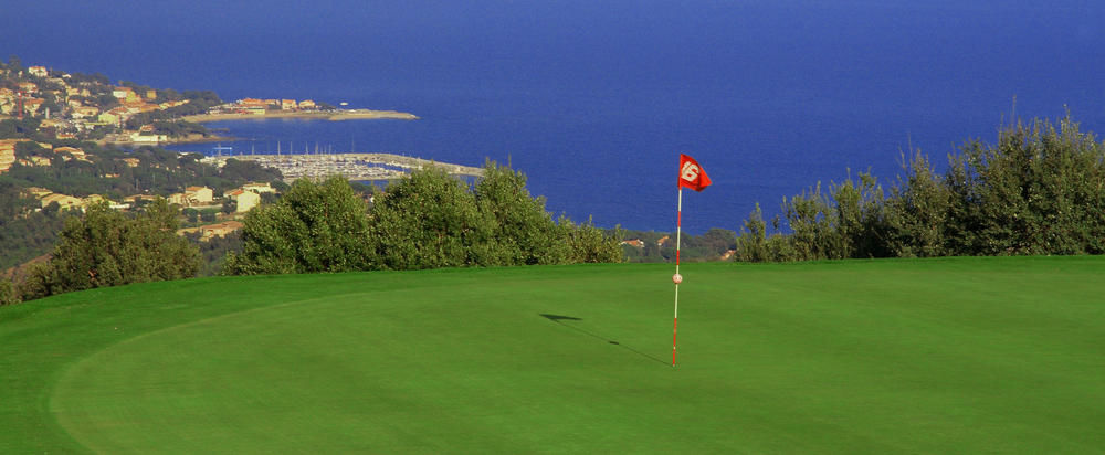 golf de sainte maxime golf course all square golf. Black Bedroom Furniture Sets. Home Design Ideas