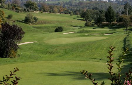 Overview of golf course named Golf de Neuvic D?ussel