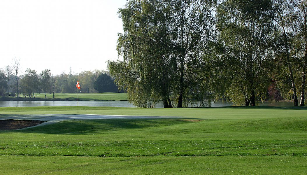 Overview of golf course named Golf Du Clou