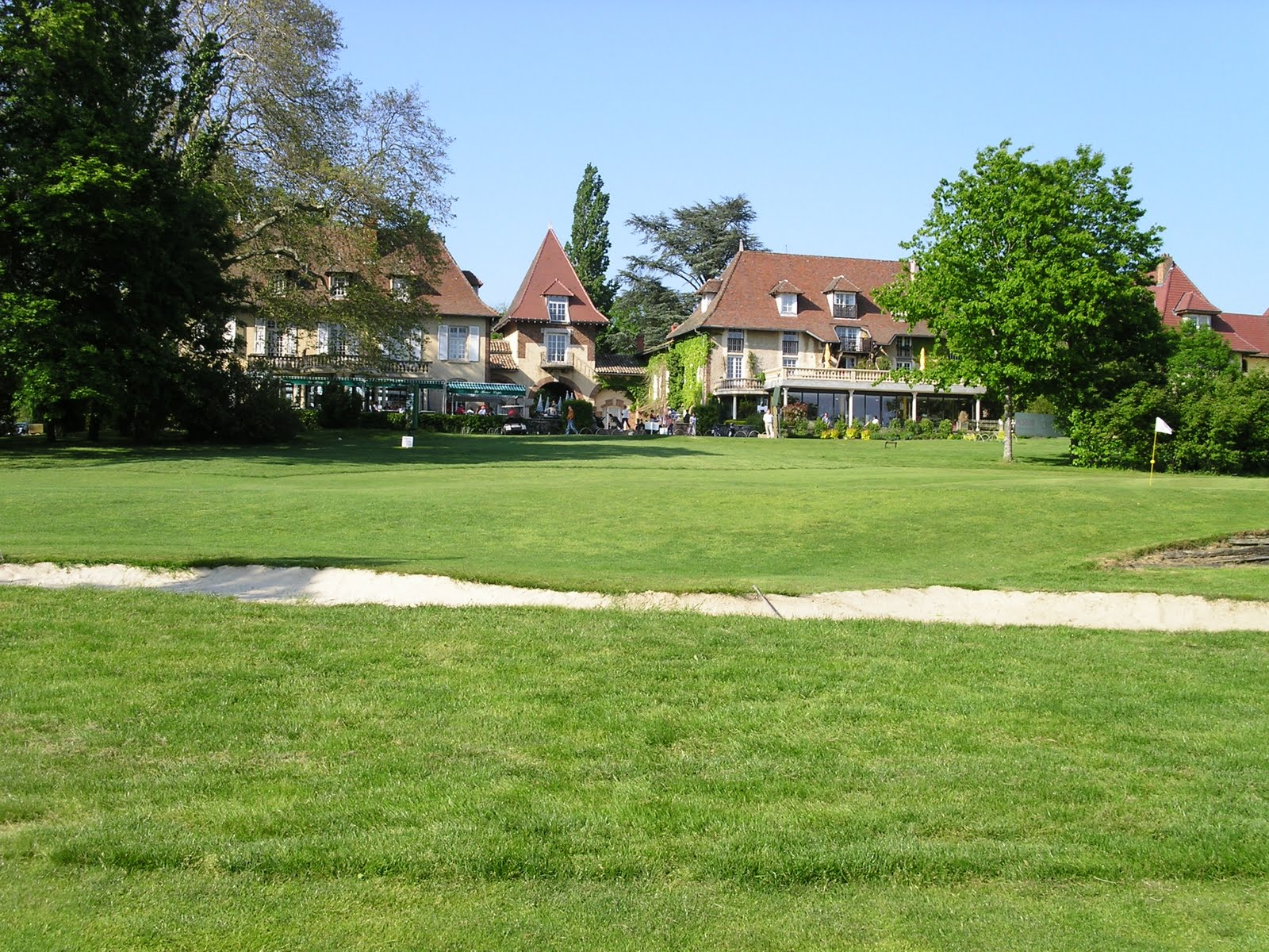 Overview of golf course named Garden Golf Mionnay