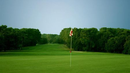 Saint-Laurent Golf Club Cover Picture