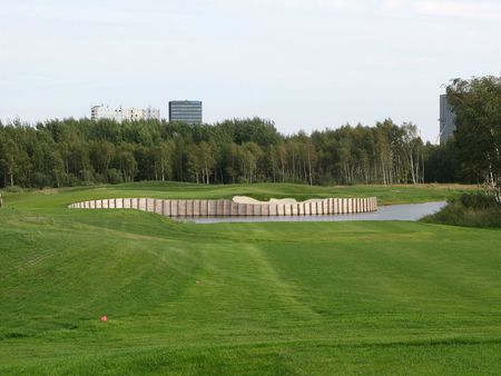 Overview of golf course named Royal Golf Club