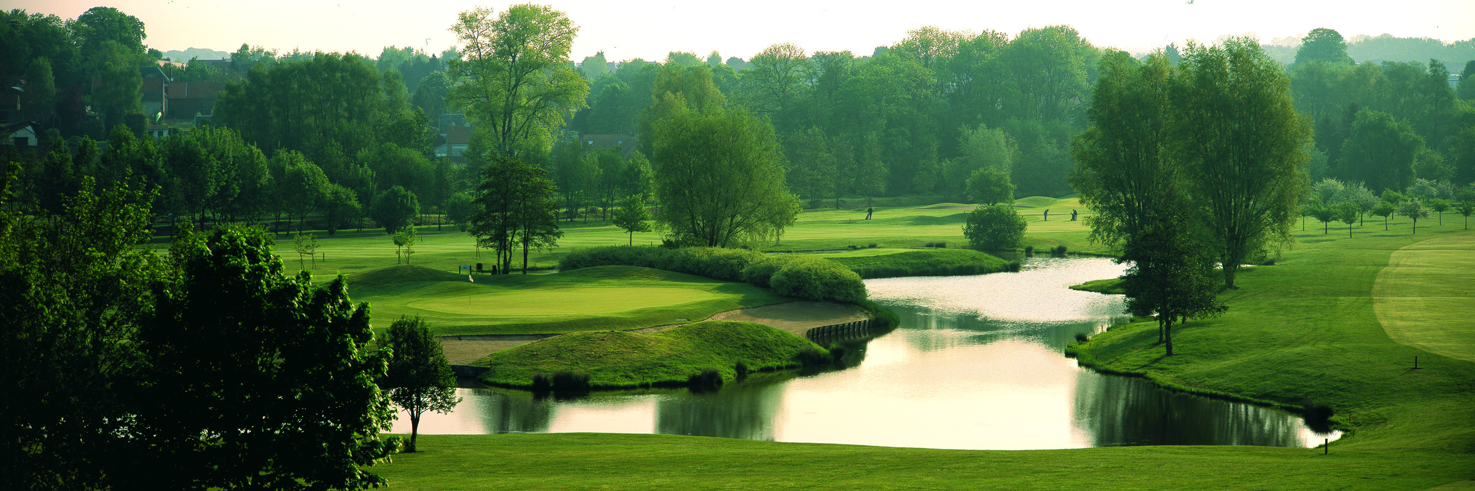 Arras golf club cover picture