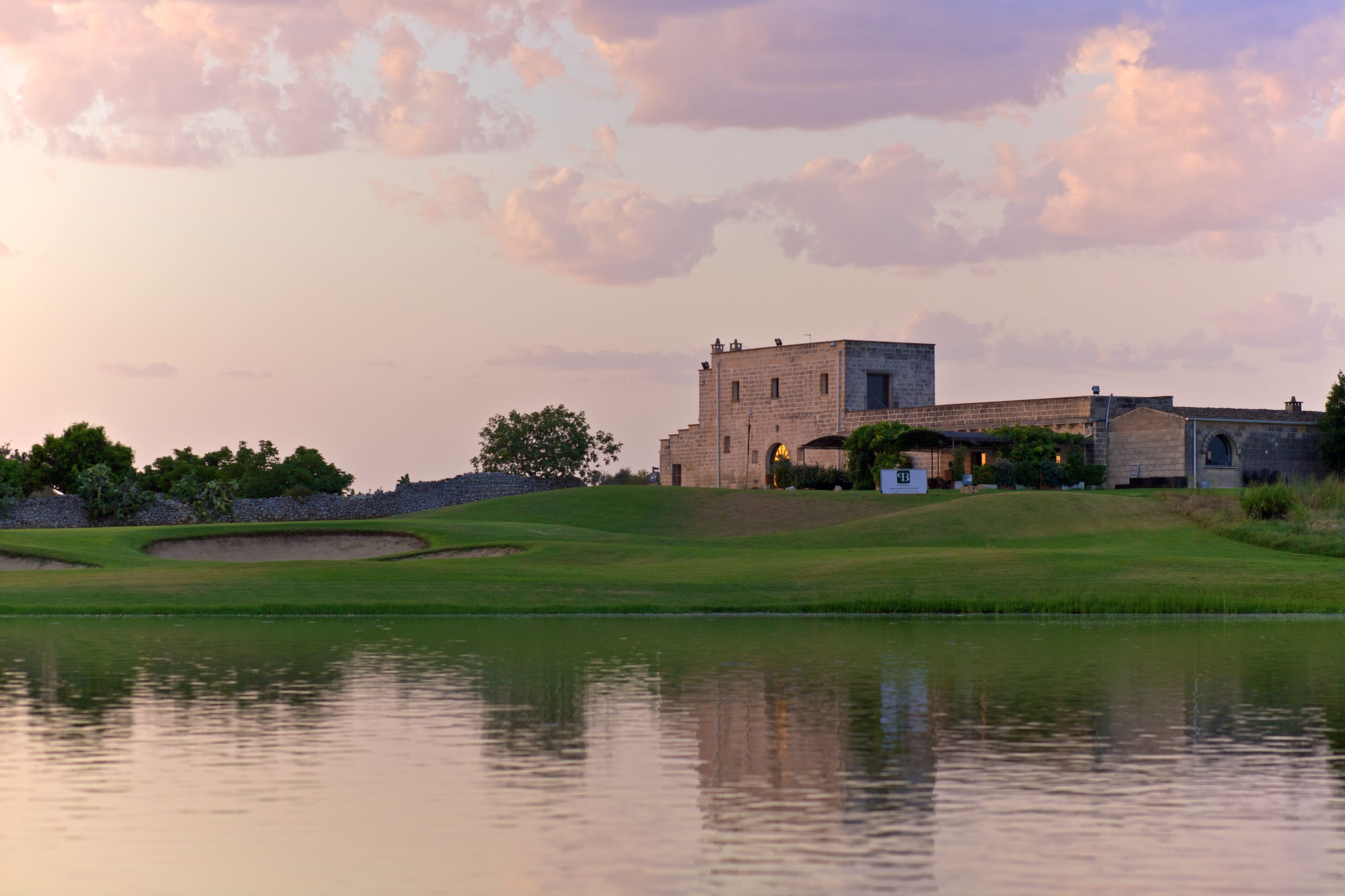 Acaya golf club cover picture