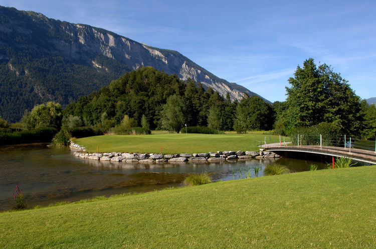Domat ems golf club cover picture