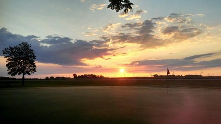 Oakview Golf Course Cover Picture