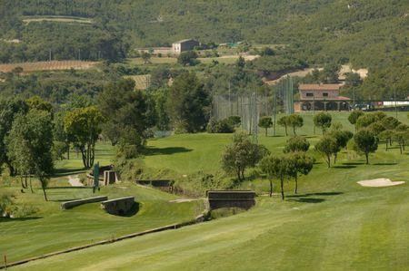 Golf la roqueta cover picture
