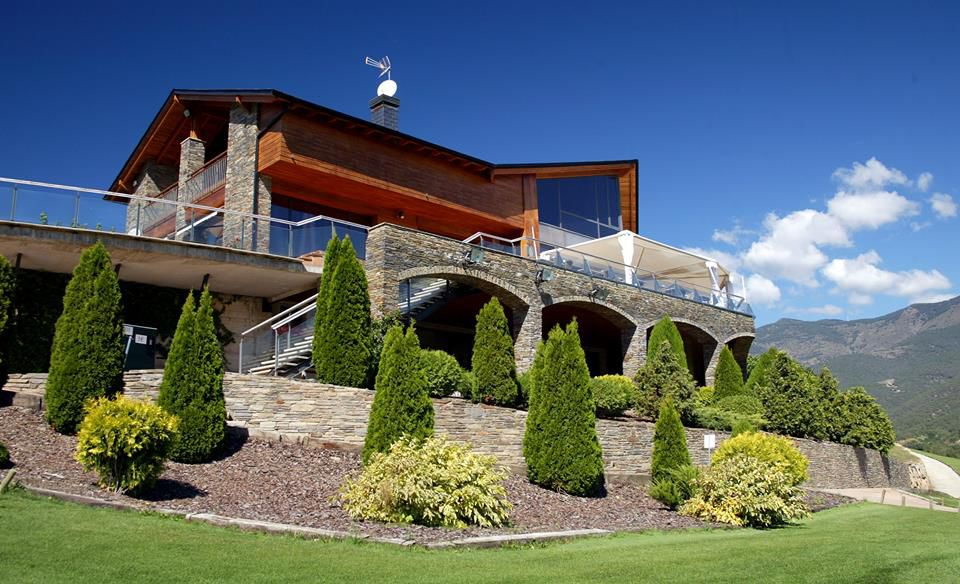 Aravell golf andorra cover picture