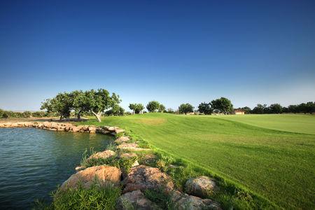 Elea golf club cover picture