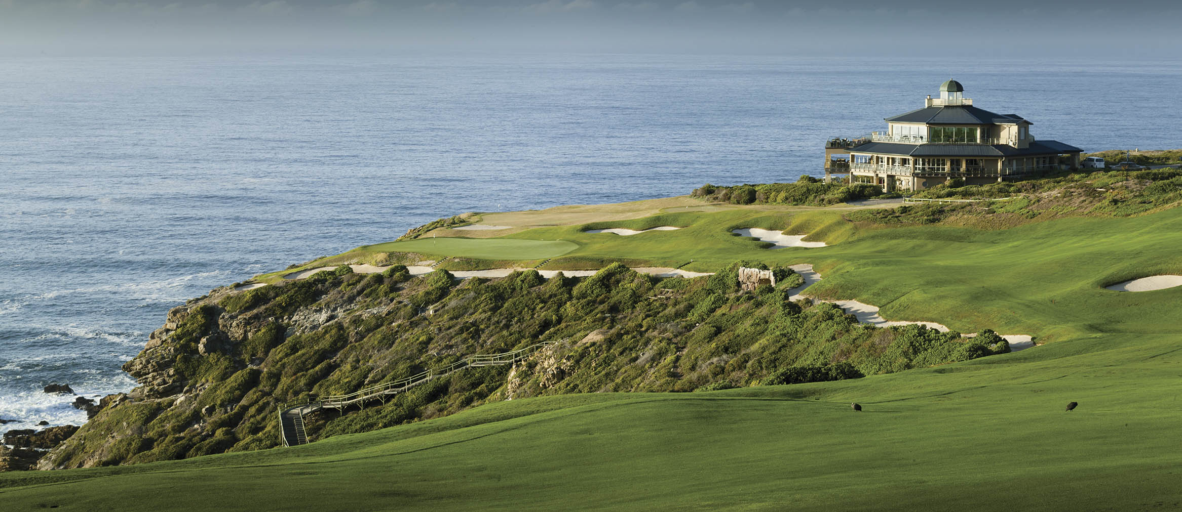 Overview of golf course named Pinnacle Point Beach and Golf Resort