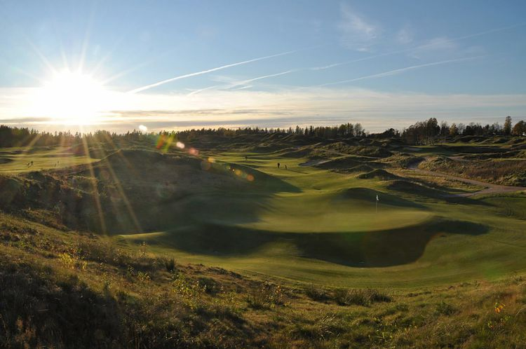 Sand golf club cover picture