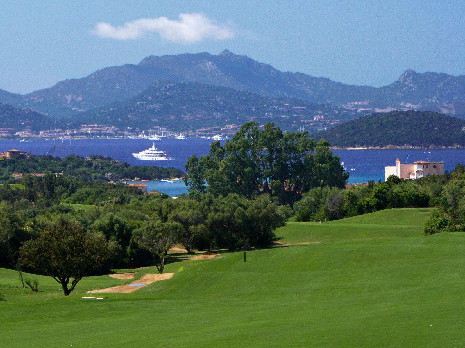 Pevero golf club cover picture
