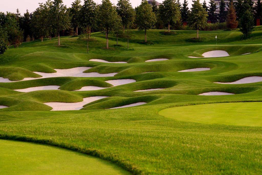 Skolkovo golf club cover picture