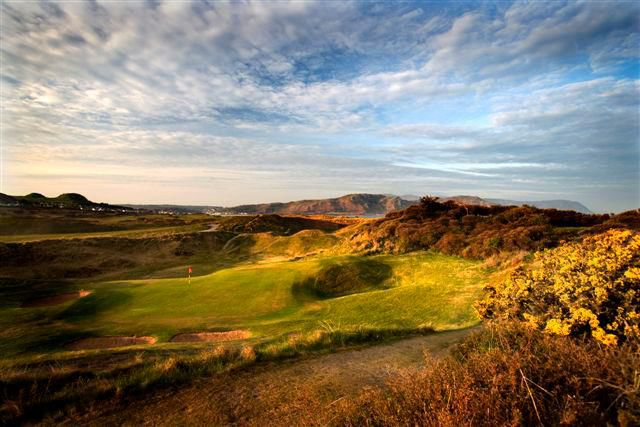 North wales golf club picture