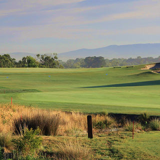 Settlers run golf country club cover picture