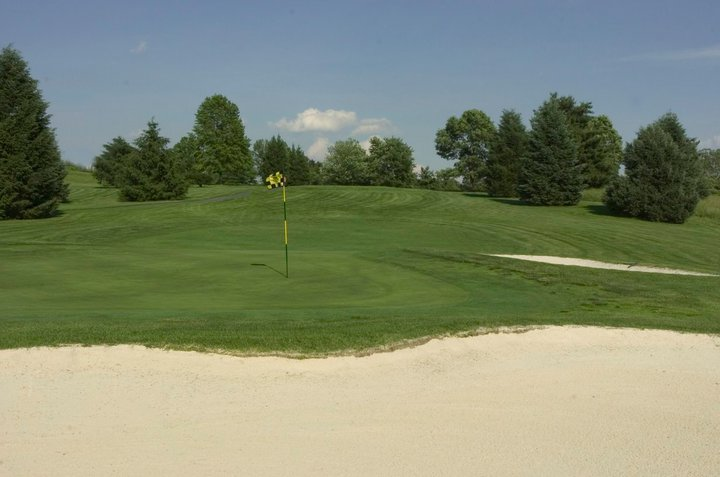 Overview of golf course named Holly Hills Country Club