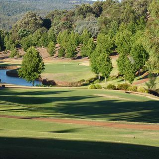 Araluen golf resort cover picture