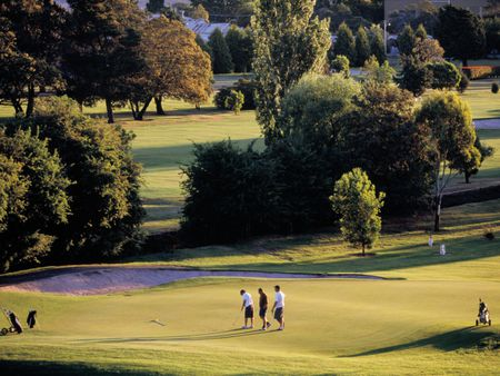 Mowbray golf club cover picture