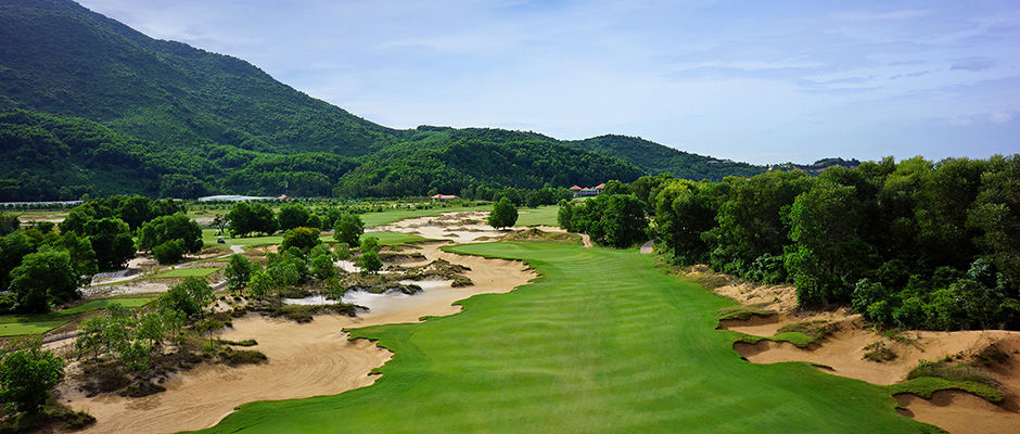 Laguna lang co golf club cover picture