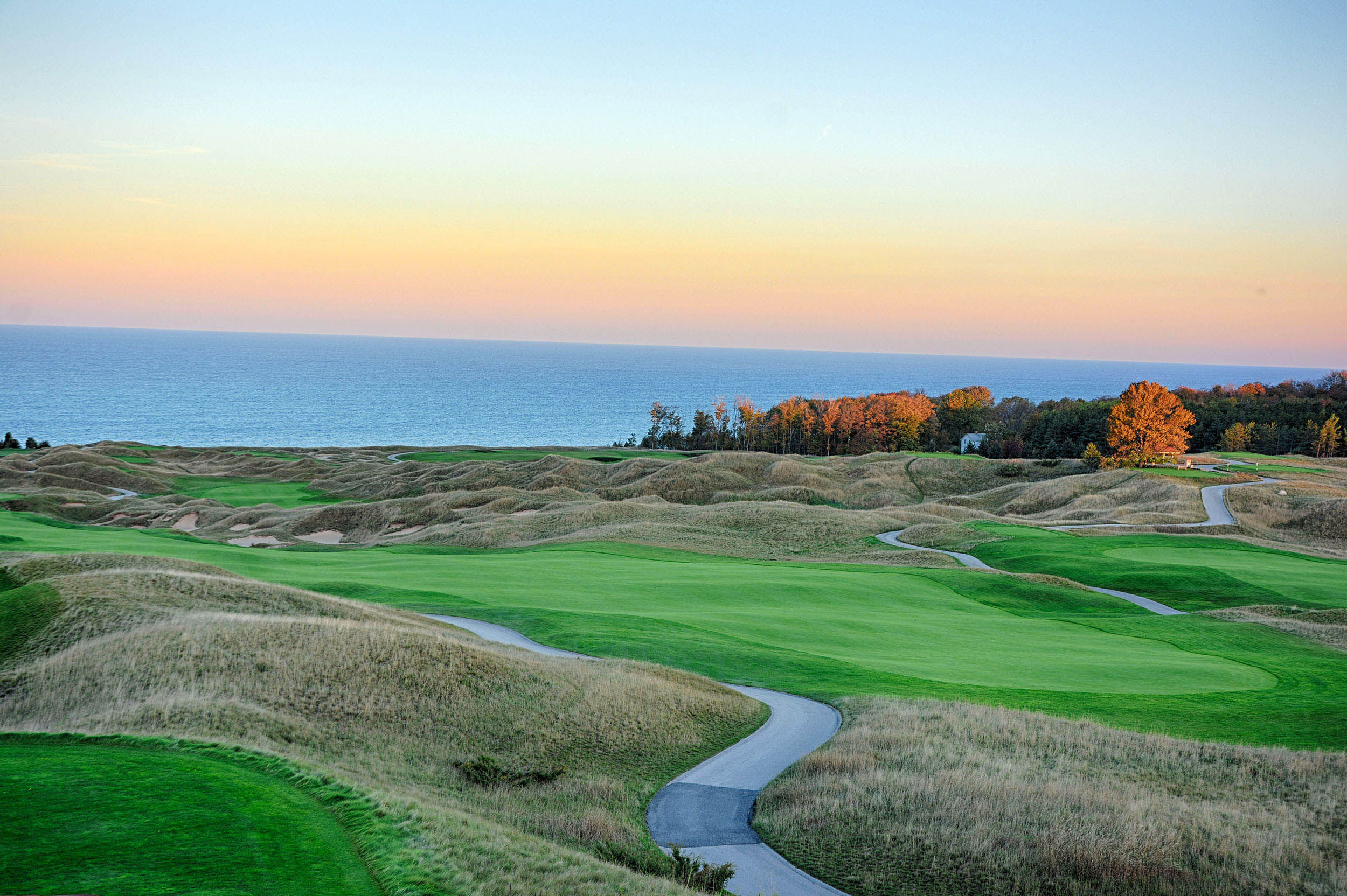 Arcadia bluffs golf course cover picture