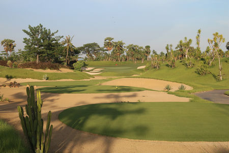 Overview of golf course named Nikanti Golf Club