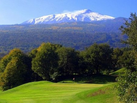 Il picciolo golf club cover picture