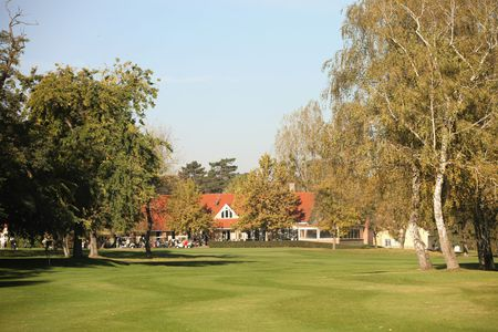 Old lake golf and country club cover picture