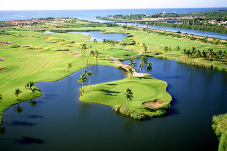 Overview of golf course named Costa Caribe Golf and Country Club