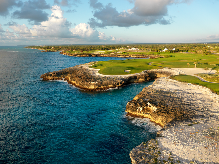 Corales golf course cover picture