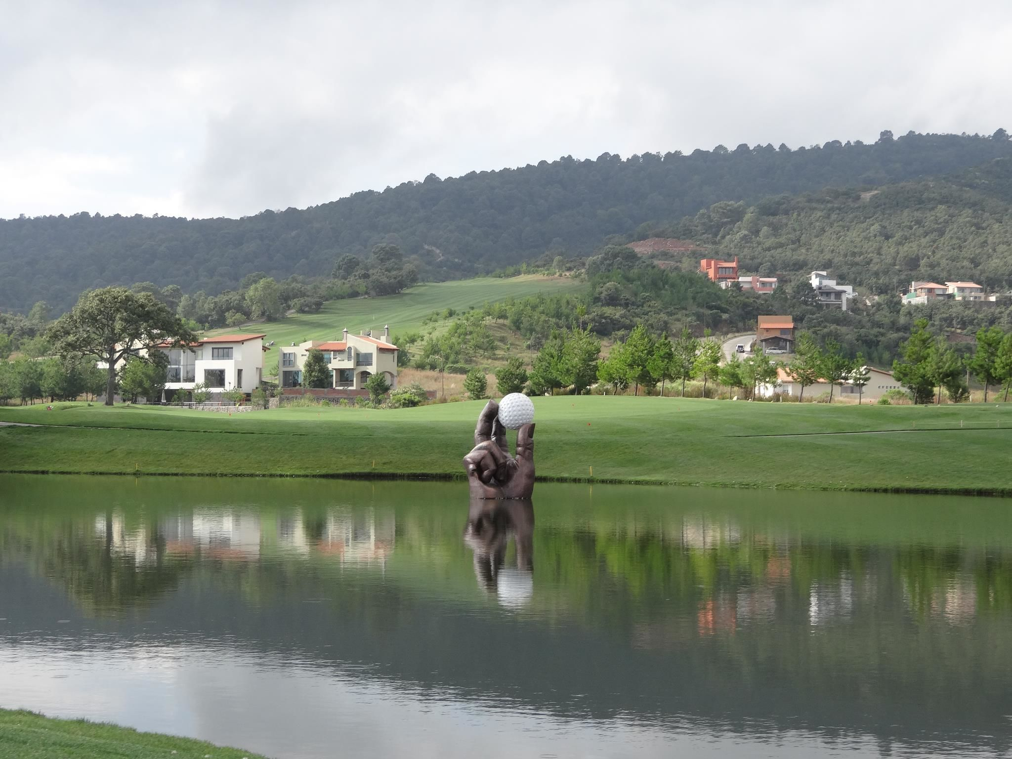 Altozano golf club cover picture