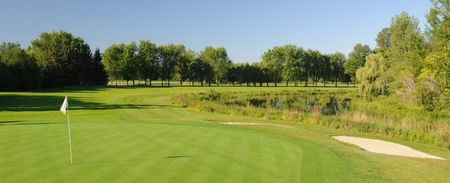 Overview of golf course named Carleton Golf and Yacht Club