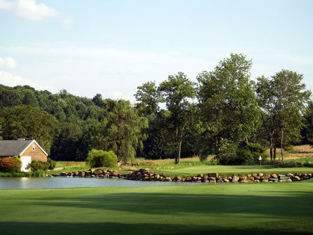White manor country club cover picture
