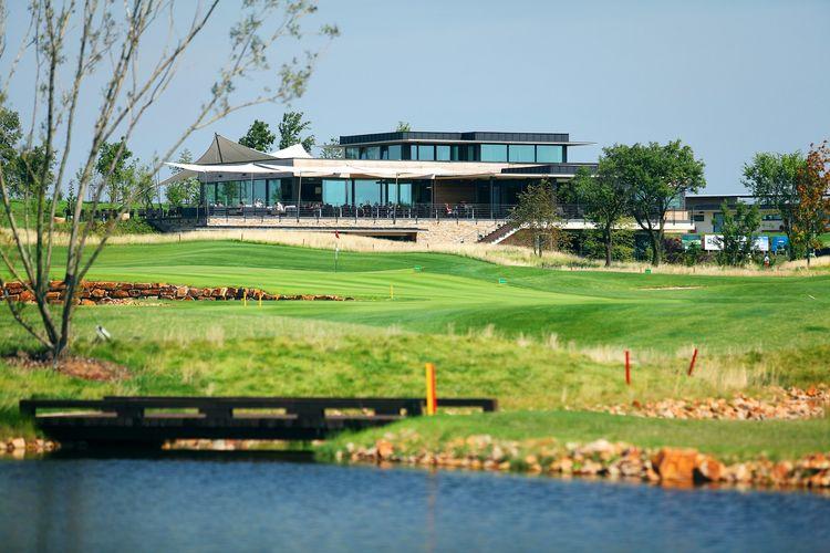 Albatross golf resort cover picture