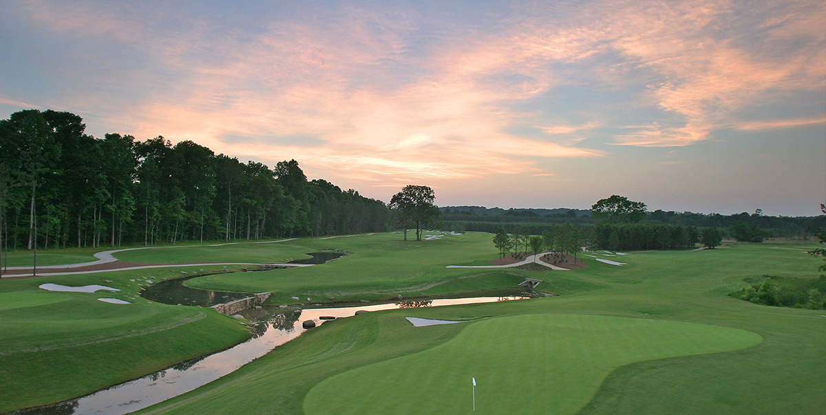 Overview of golf course named River Club, The