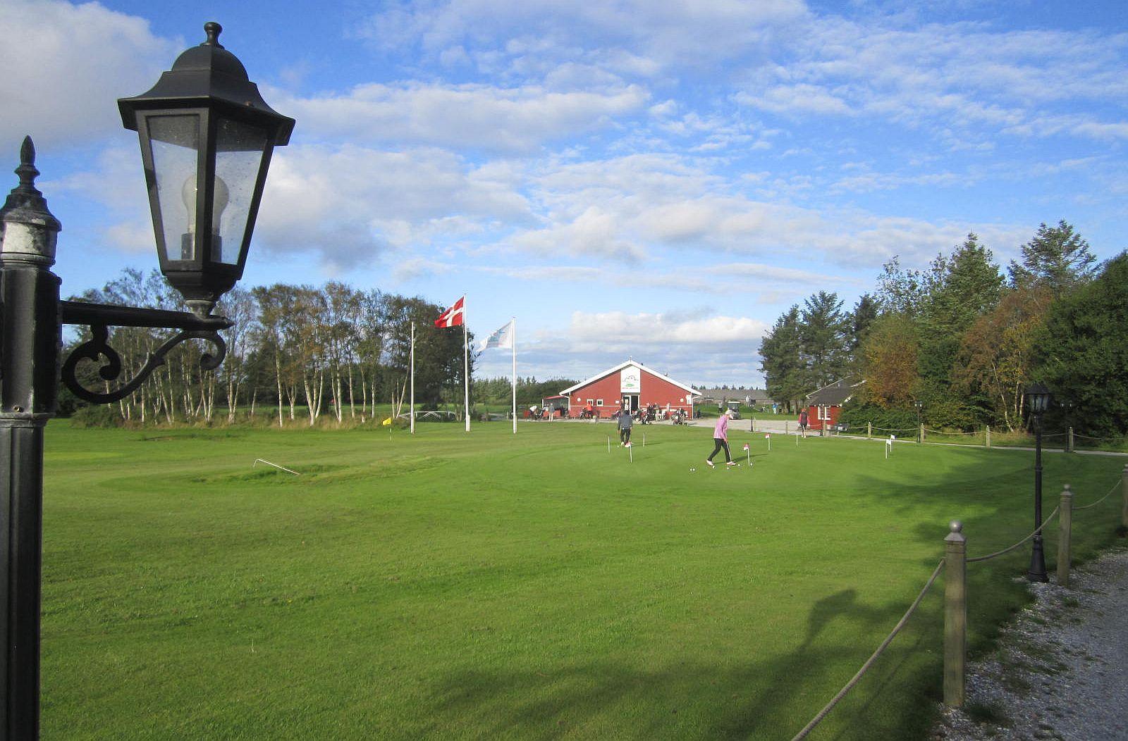 Overview of golf course named Loekken Golf Club