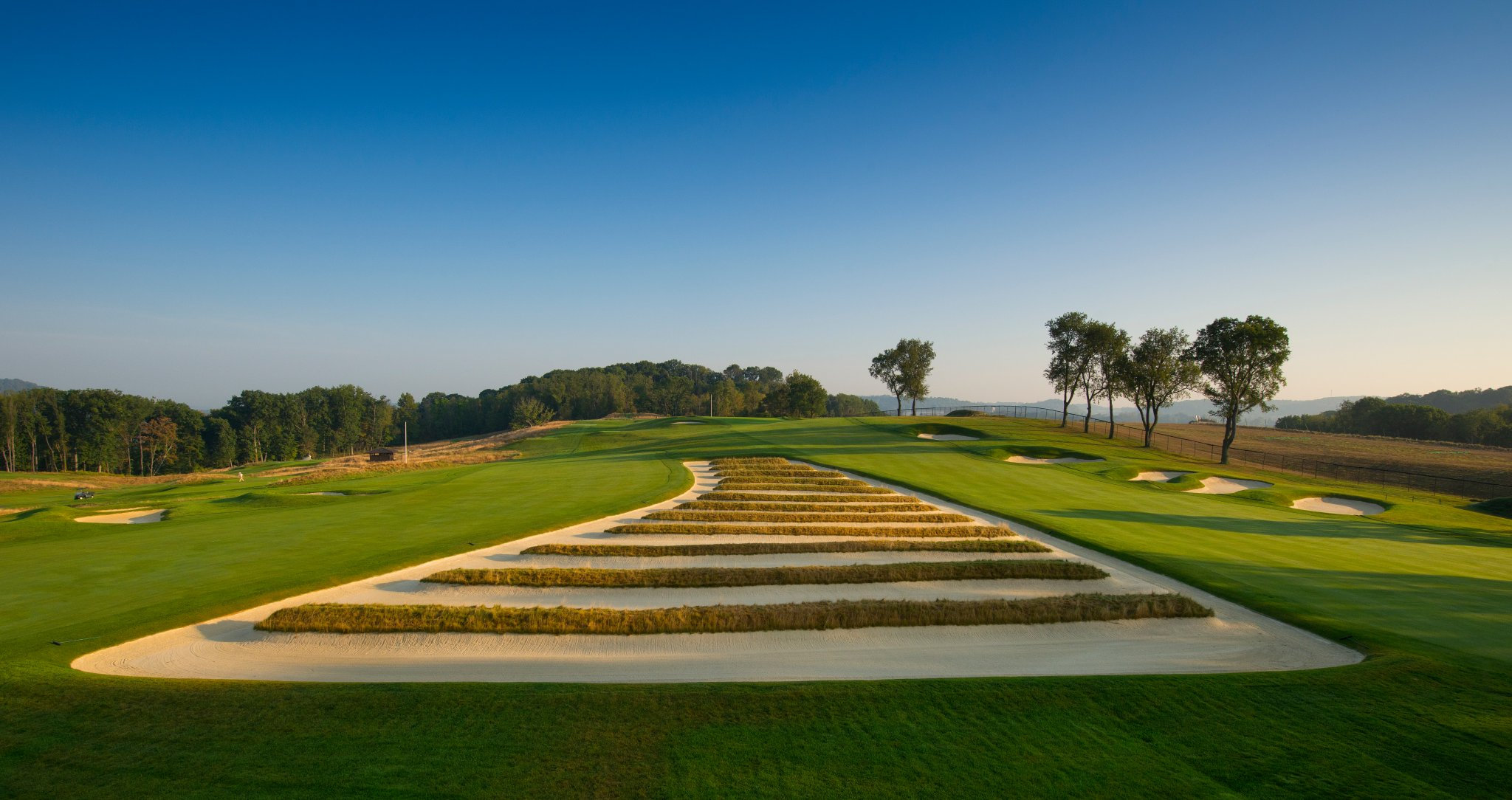 Overview of golf course named Oakmont CC