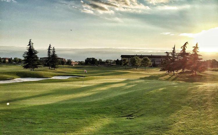 Antico borgo camuzzago golf club cover picture