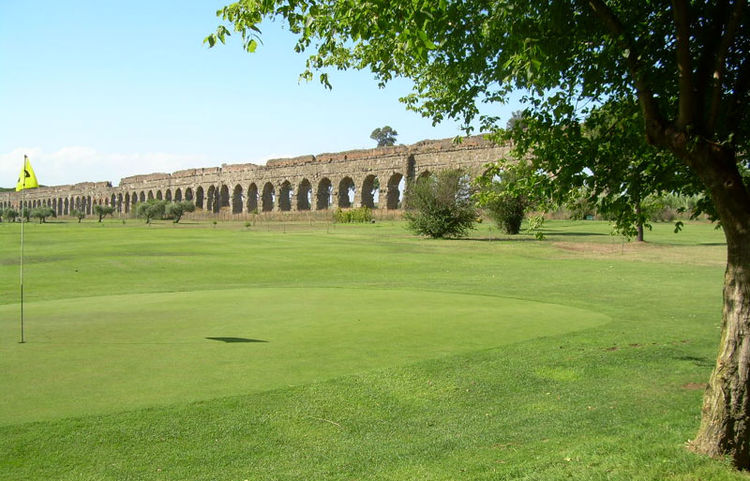 Archi di claudio golf club cover picture