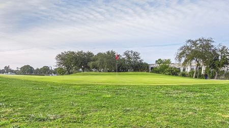 Overview of golf course named Suncoast Golf Center
