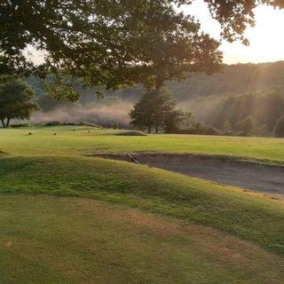 Alton golf club the cover picture