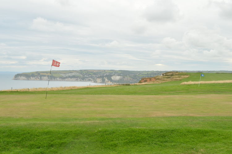 Axe cliff golf club cover picture