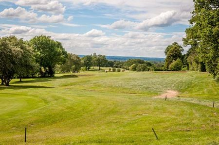 Grims Dyke Golf Club Cover Picture