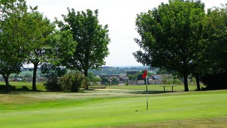Overview of golf course named Hanging Heaton Golf Club