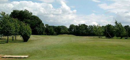 Overview of golf course named Hennerton Golf Club